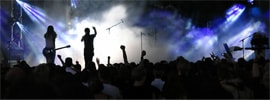 4 Tips On How To Have And Improve Stage Presence